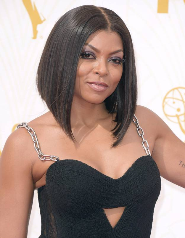 coiffure de taraji p henson coupe de cheveux carr assym trique plongeant photo coiffure de star. Black Bedroom Furniture Sets. Home Design Ideas