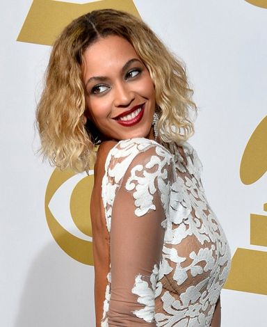 Photo coiffure beyonce frange courte, photos coiffure beyonce blonde platine